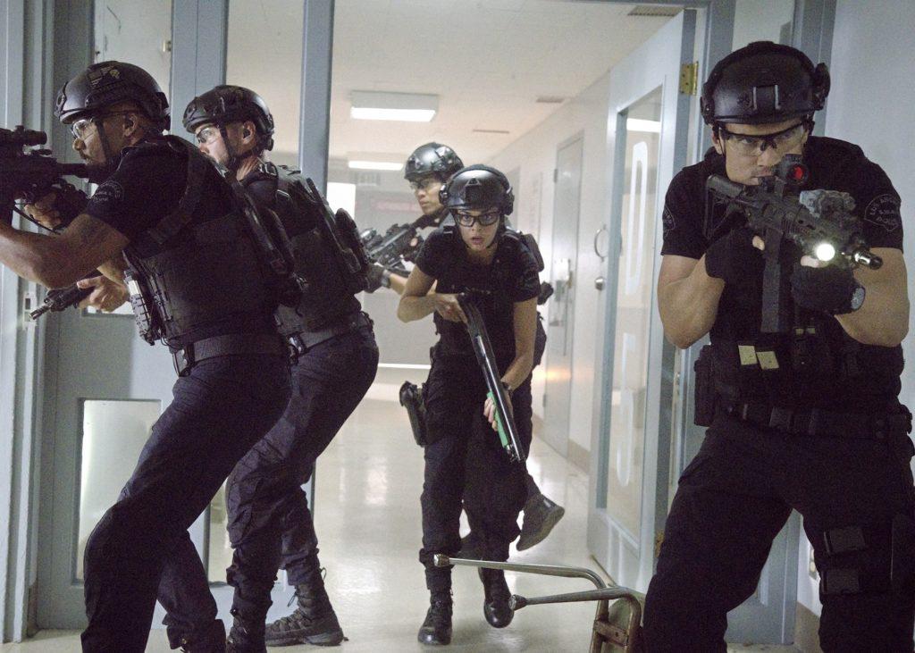 la serie policial s w a t regresa con su tercera temporada original 1591979267 swat s3 ep 2 fox channel 2