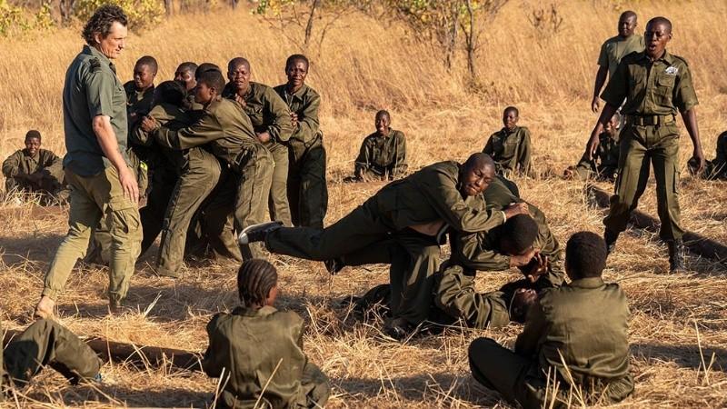 akashinga documental que muestra a mujeres africanas en la lucha por los elefantes sin violencia grupo2.jpg 1756841869