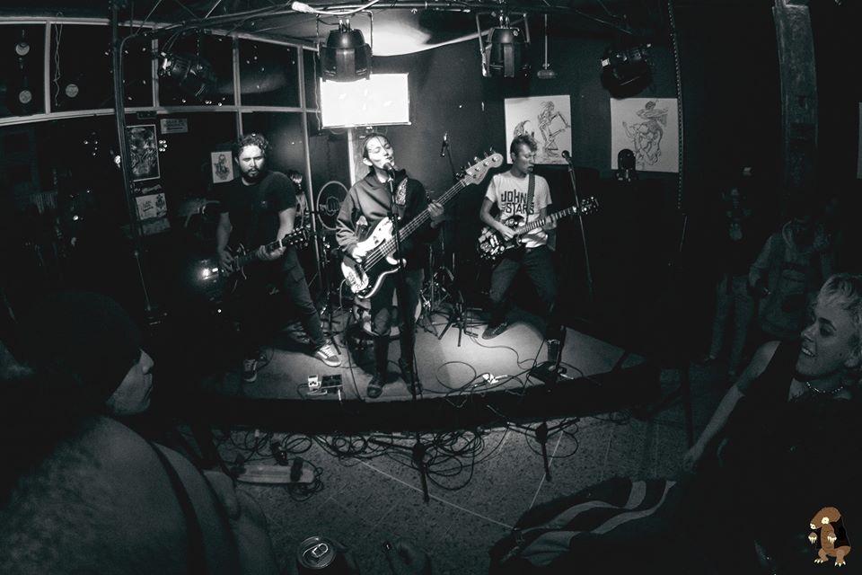 deficit de atencion amigos haciendo punk rock con coraje y corazon deficit de atencion 3