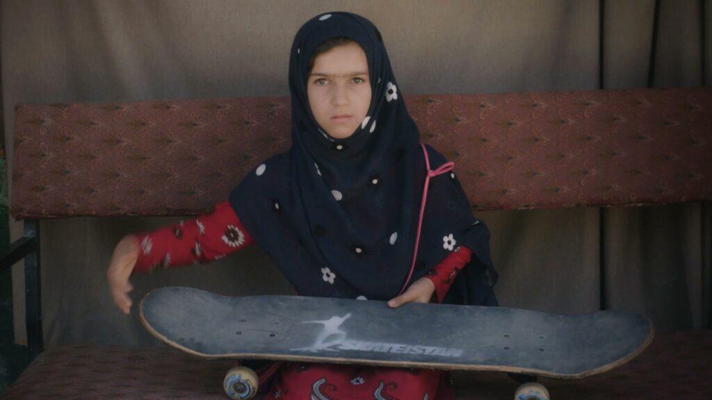 aprendiendo a patinar en zona de guerra documental sobre las ninas de afganistan key frame 2 1920x1080 learning to skateboard in a warzone 1
