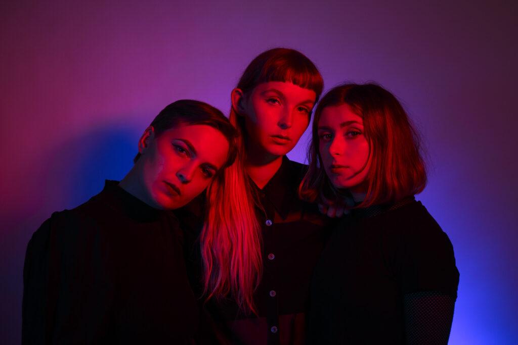 el trio sueco chivvy presenta su nuevo sencillo red water unnamed 1