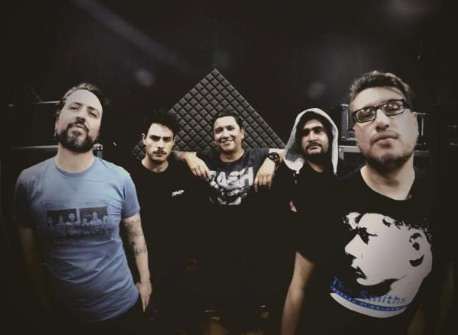 la banda colombiana blast55 les canta la tabla a los politicos con falsos heroes screenshot 5