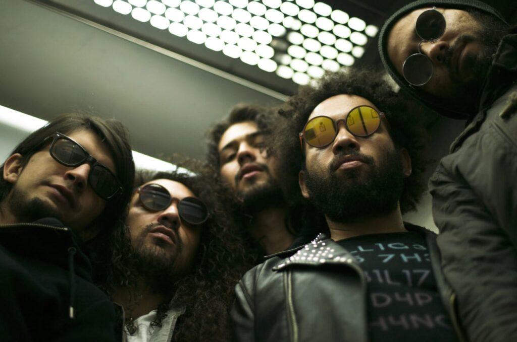 la banda colombiana de rock latino rey loco lanza su album debut rey loco 2