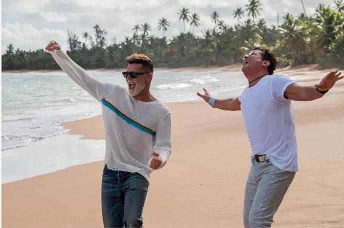 Carlos Vives y Ricky Martin en Canción Bonita