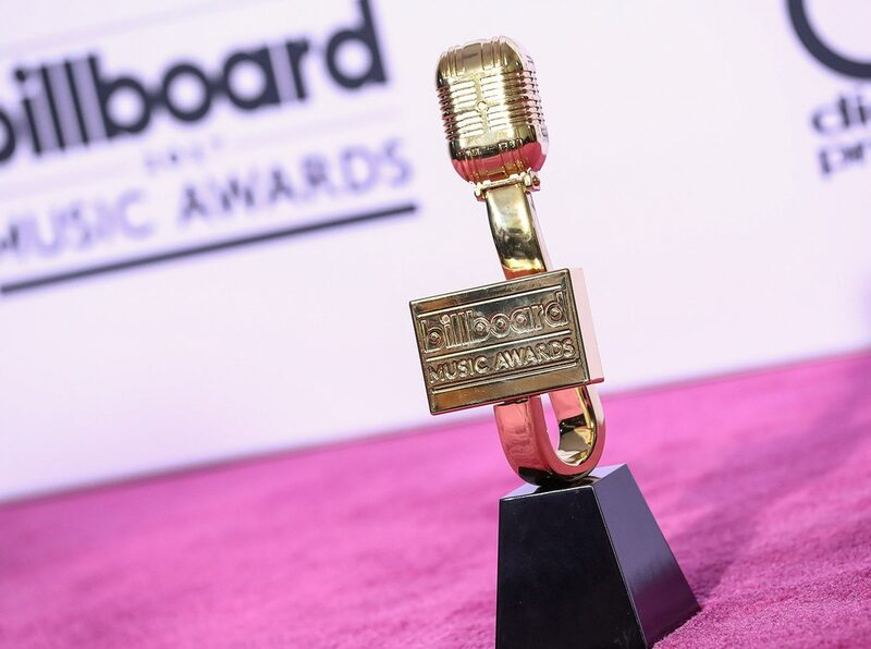 disfruta la alfombra roja de los billboard music awards 2021 por e entertainment billboard music awards