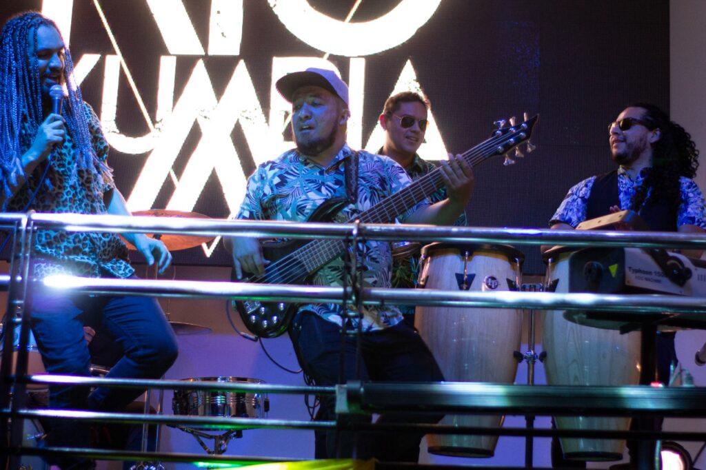 rio kumbia la banda colombiana debuta con sexy girl rio kumbia 2