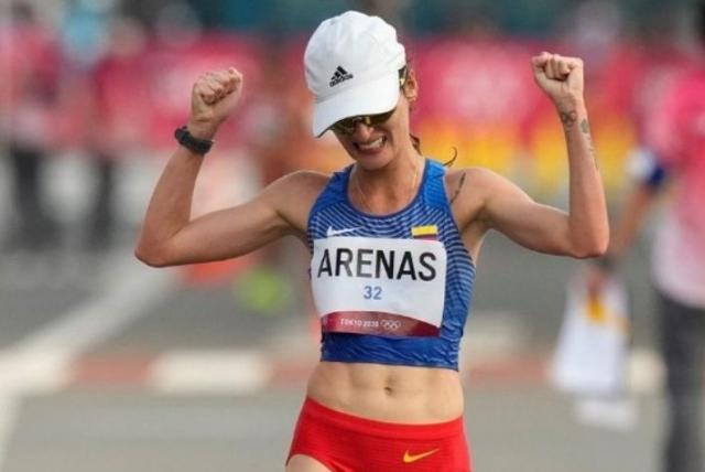 sandra lorena arenas gana medalla historica en medio de agresiones 610d03c71b85a 1