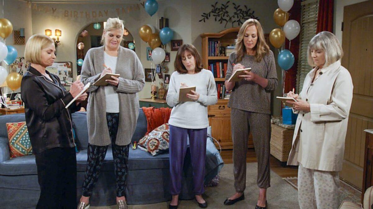 la ultima temporada de mom se estrena en warner channel mom season 8.2